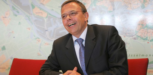Pedro Peters blijft voorzitter OVNL