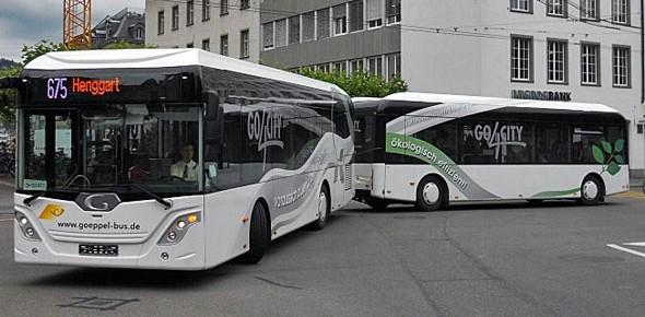 Arriva beproeft aanhanger achter de bus