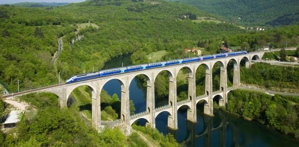 Franse staat splitst SNCF TGV's in de maag