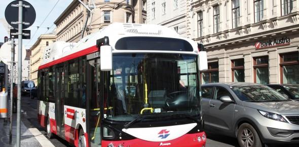 GVB denkt aan bus onder trambovenleiding