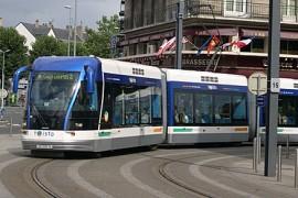 Caen kiest alsnog voor tram op rails