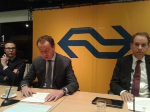 V.l.n.r.: Bartho Boer (hoofd communicatie), Timo Huges (CEO), Engelhardt Robbe (CFO)