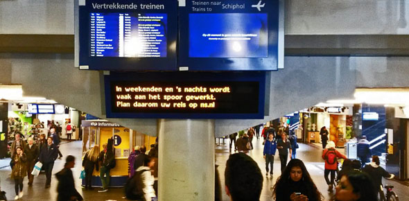 Schiphol verdient betere ov-verbindingen