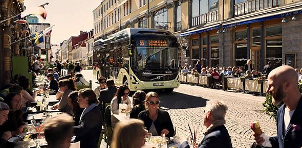 Volvo's eerste batterijbus rijdt in Göteborg