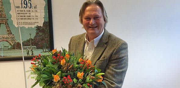 Pier Eringa krijgt zijn 'wisselbloemetje'