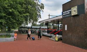 Station Deurne fleurt op