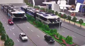 Futuristische bus op poten 'in zes steden'