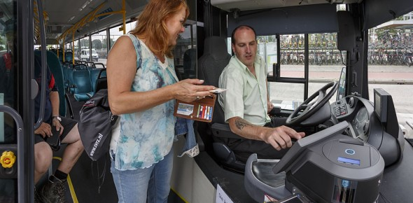 Provincies: bus kan niet cashless in 2018