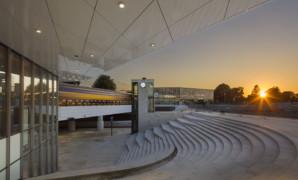 Station Harderwijk open en licht