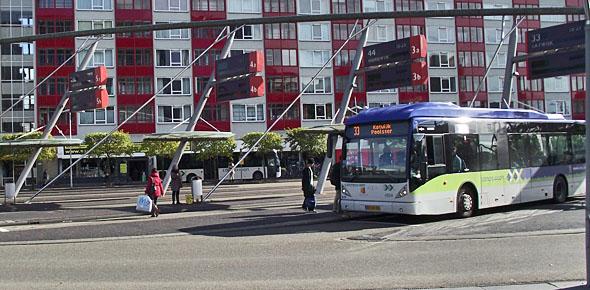 Leiden onderzoekt twee locaties busstation