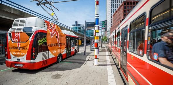 Proef met bus die laadt via traminfra
