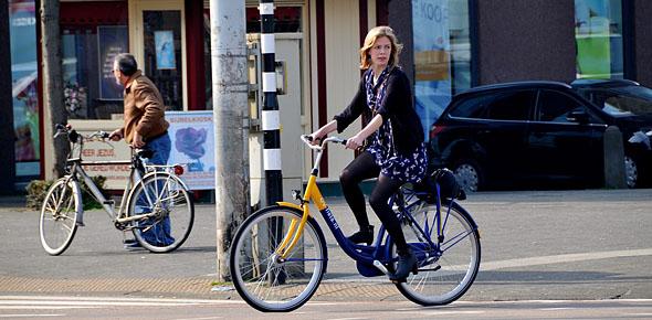 NS vliegt letterlijk honderden OV-fietsen in