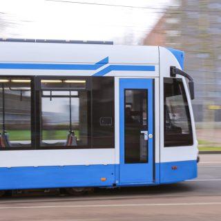 'Metroverbinding Almere verdien je terug'