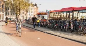 Miljoenen extra voor fietsparkeren stations