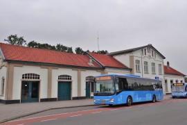Lege bus legt het af in IJssel-Vecht