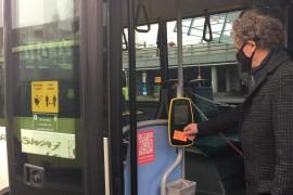 Betaalproef gestart in stadsbussen Lelystad